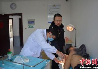 探访江苏首个强制隔离戒毒所:戒毒者输液需被锁椅子上